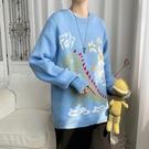 長袖男生韓版毛衣 男士毛衣時尚加厚上衣 潮流學生卡通秋冬保暖打底衫 印花寬鬆男生針織衫