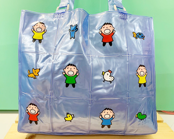 【震撼精品百貨】大寶/大口仔_Minna No Tabo ~Sanrio 大寶充氣防水手提包/透明防水包-藍#87936