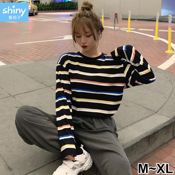【V3010】shiny藍格子-甜漾秋天.彩色條紋圓領寬鬆長袖上衣