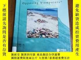 二手書博民逛書店Opposing罕見Viewpoints Series - Endangered Oceans (hardcove