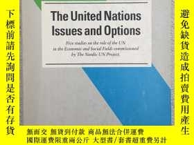 二手書博民逛書店The罕見United Nations: Issues and