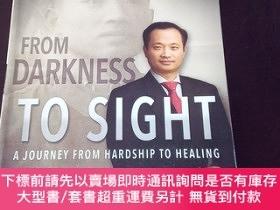 二手書博民逛書店From罕見Darkness to Sight: A Journey from Hardship to Heali