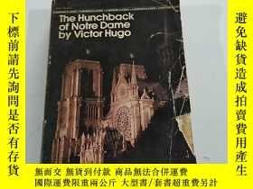 二手書博民逛書店THE罕見HUNCHBACK OF NOTRE DAME BY VUCTOR HUGO伍克特·雨果的《聖母院駝背》