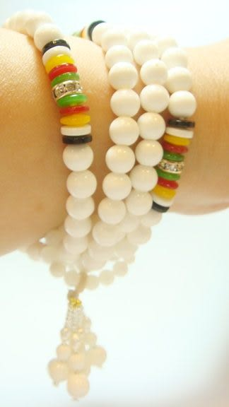 手環 Sabrina C.白色硨磲串珠 型二