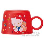 〔小禮堂〕Hello Kitty 寶特瓶專用杯蓋《紅.坐姿.點點.140ml》80年代系列 4973307-37218