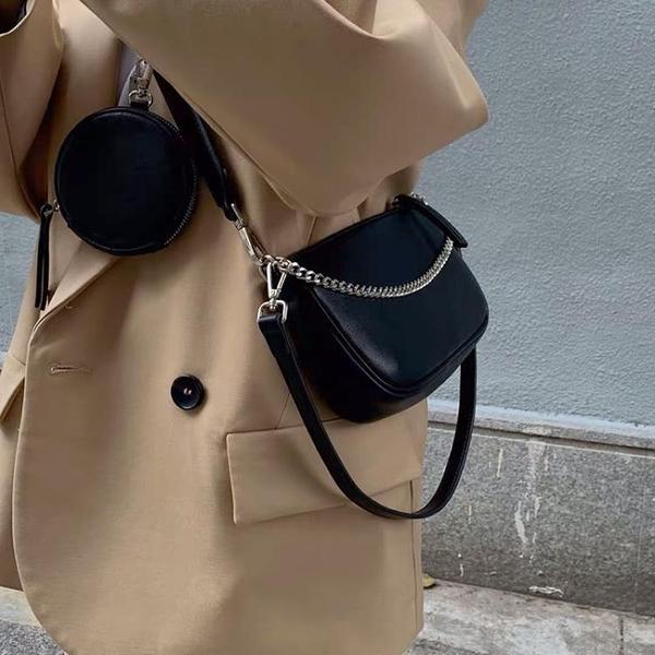 斜背包 2021新款包包寬帶單肩包鏈條小包斜挎復古百搭韓版ins港風女包潮 歐歐