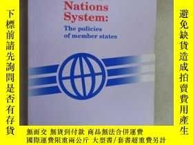 二手書博民逛書店外文書罕見The United Nations System:(