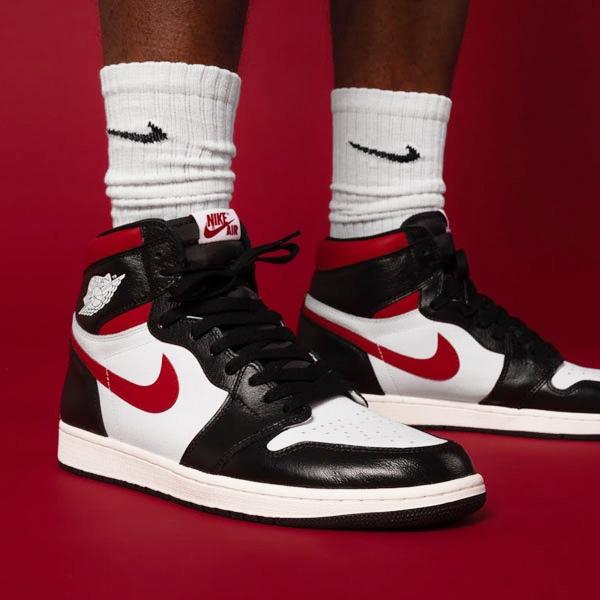 """【現貨折後$10800】NIKE Air Jordan 1 Retro High OG """"Gym Red""""黑白紅 經典 皮革 籃球鞋 555088-061"""