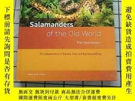 二手書博民逛書店Salamanders罕見of the Old World: The Salamand... 進口原版 Y26