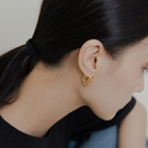 Queen Shop【07030686】鍊條釦環設計個性造型耳針式耳環 兩色售*現+預*