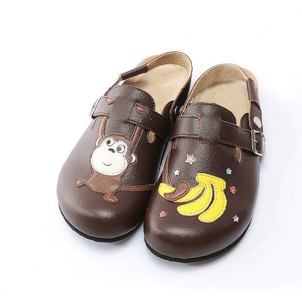 【Jingle】猴子摘香蕉前包後空軟木休閒鞋(質感咖百搭米經典藍大人款)