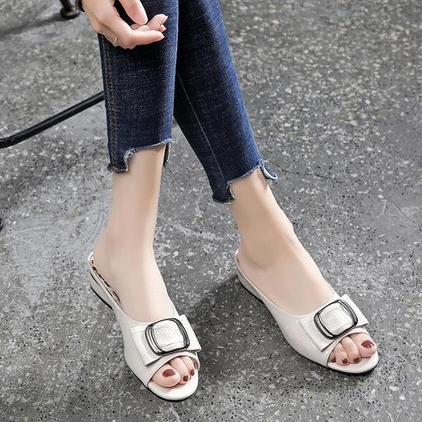 魚口鞋 2021款中低跟涼拖鞋女外穿家居防滑夏季簡約時尚百搭軟皮魚嘴粗跟  美物 99免運