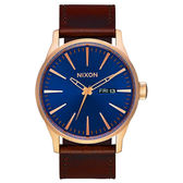 NIXON SENTRY LEATHER 冷冽爵士時尚腕錶-咖啡x藍紫