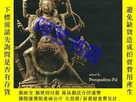 二手書博民逛書店Goddess罕見Durga: The Power and Th