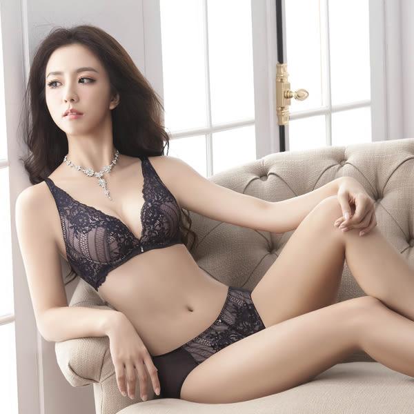 思薇爾-波希女伶系列B-E罩深V蕾絲包覆內衣(墨紫黑)