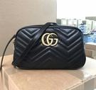 ■專櫃94折■全新真品■ Gucci GG Marmont 中款立體浮雕山型紋相機包 黑色