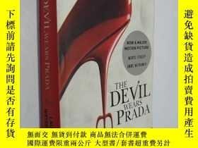 二手書博民逛書店the罕見devil wears prada(時尚女魔頭)Y25
