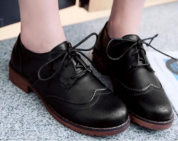 牛津鞋 英倫學院風繫帶雕花平底牛津鞋大碼復古小皮鞋棉鞋【店慶滿月限時八折】