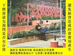 二手書博民逛書店LANDSCAPE罕見ARCHITECTURE 2005.10Y