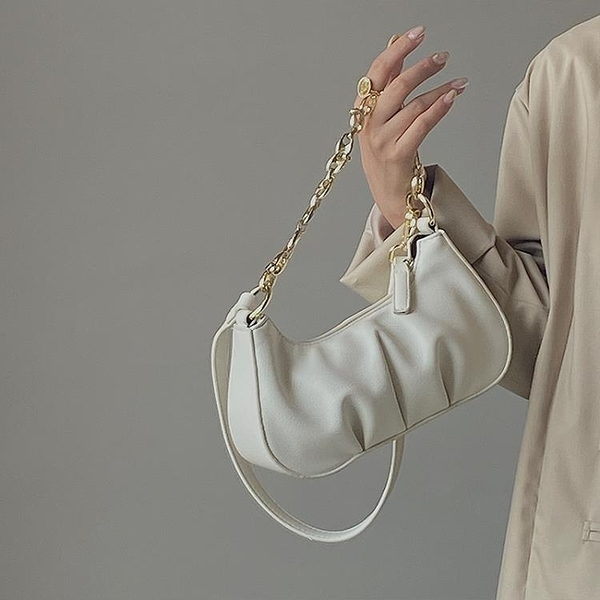 小眾設計褶皺鏈條腋下包包女2021春夏百搭個性單肩斜挎手拎小包包 璐璐