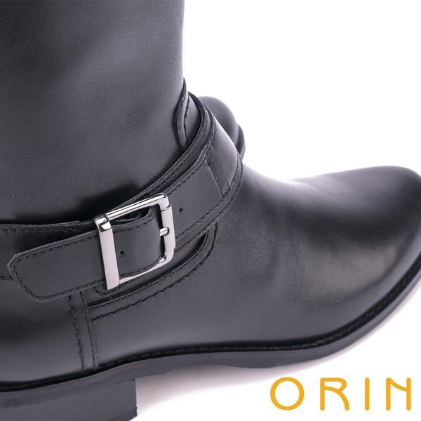ORIN 中性街頭帥氣 皮帶飾釦蠟感牛皮中筒靴-黑色