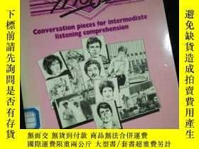 二手書博民逛書店IN罕見THE MOOD Conversation pieces for intermediate listeni