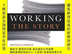 二手書博民逛書店Working罕見The Story: A Guide To R