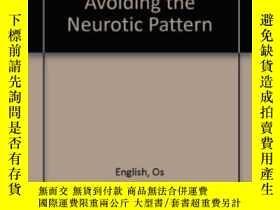 二手書博民逛書店Emotional罕見Problems Of Living: Avoiding The Neurotic Patt