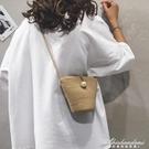 森系編織水桶包包女包新款草編包跨包韓版百搭側背斜背包 黛尼時尚精品