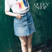 Queen Shop【03010704】鬚邊刷色A字牛仔短裙 S/M/L*預購*