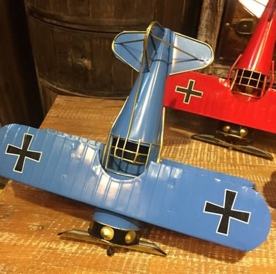 [協貿國際]   飛機模型擺件咖啡廳櫃子桌面擺件空中挂件  (1入)