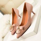 尖頭鞋子 絨面細跟高跟鞋 金屬圓環裝飾《小師妹》sm235
