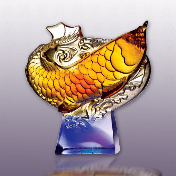 水晶琉璃~魚躍龍門含水晶座~附精美包裝~附古法制作珍藏保證卡~免運費送到家