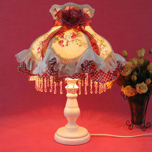 高檔歐式布藝蕾絲臺燈 調光 輕舞飛揚