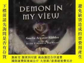 二手書博民逛書店英文原版罕見Demon in My View by Amelia