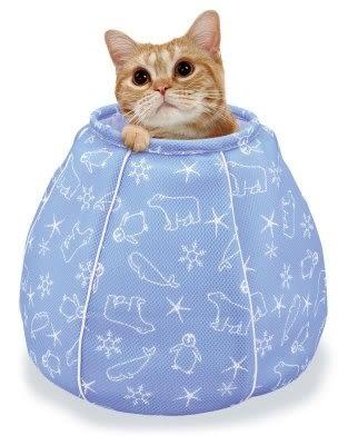 『寵喵樂旗艦店』日本MARUKAN【貓咪避暑涼感床 水桶包造型】散熱/涼感【CT-405】