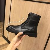 中筒靴 柒柒ann馬丁靴女英倫風騎士靴短靴子中筒機車靴帥氣系帶厚底靴子  維多 DF