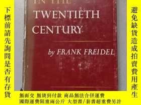 二手書博民逛書店AMERICA罕見IN THE CENTURYY10445 by FRANK FREIDEL HARVARD