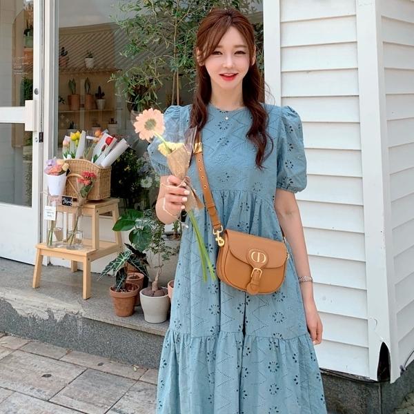 連身裙.優雅素面拼接花朵簍空公主袖圓領洋裝.白鳥麗子