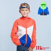 JJLKIDS 男童  繽紛玩色拼接透氣連帽防風外套(2色)