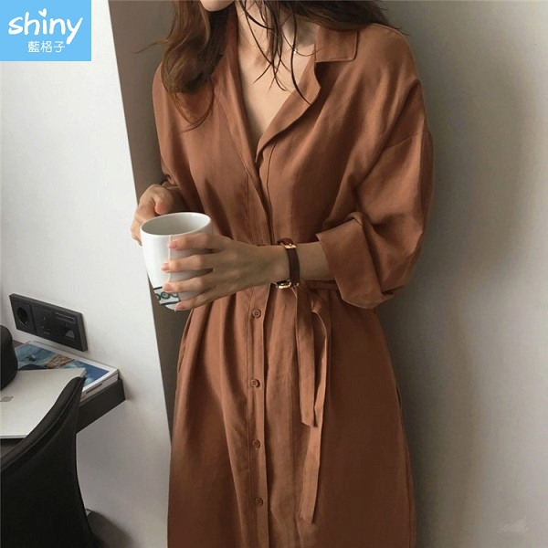 【V2784】shiny藍格子-隨性秋搭.翻領綁帶中長款風衣連身洋裝