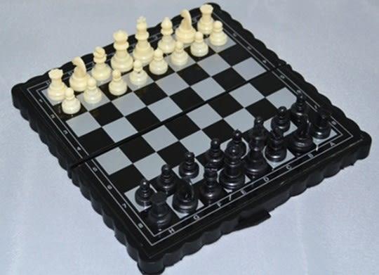 [協貿國際]  折疊式迷你磁性國際象棋(2個價)
