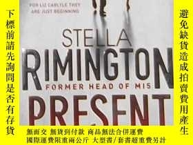 二手書博民逛書店英文原版罕見Present Danger by Stella R