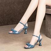2021夏季新款漆皮高跟涼鞋女細跟時尚蝴蝶結一字扣帶魚嘴大碼女鞋