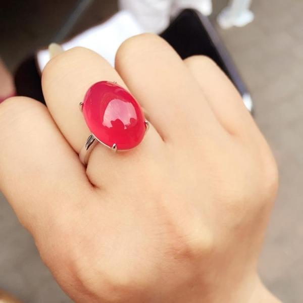 天然阿根廷紅玉髓戒指中國紅女款