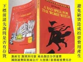 二手書博民逛書店A罕見bad spell for the worst witch對最壞的巫婆來說是個壞兆頭Y212829