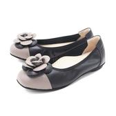 【南紡購物中心】W&M (女)圓頭拼接皮花 娃娃鞋 平底鞋 女鞋 -黑(另有藍)