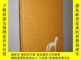 二手書博民逛書店The罕見white sea horse by Helen Cr