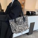 斑馬紋包包女大容量2021新款潮夏季百搭單肩包高級質感小眾托特包 一米陽光