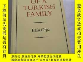 二手書博民逛書店PORTRAIT罕見OF A TURKISH FAMILYY31